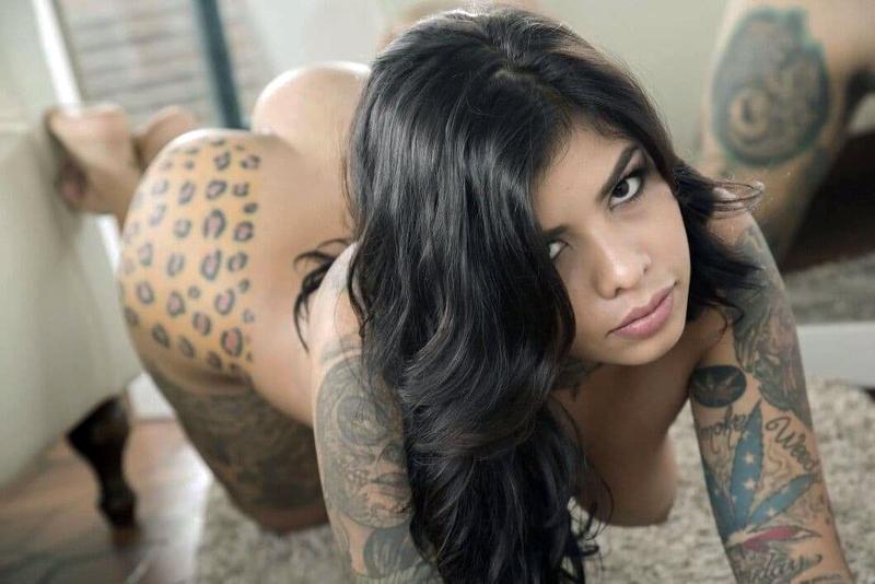 Pauline_Lewis