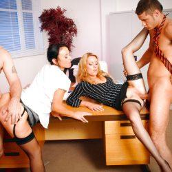 New full scene released: Pleasing the boss